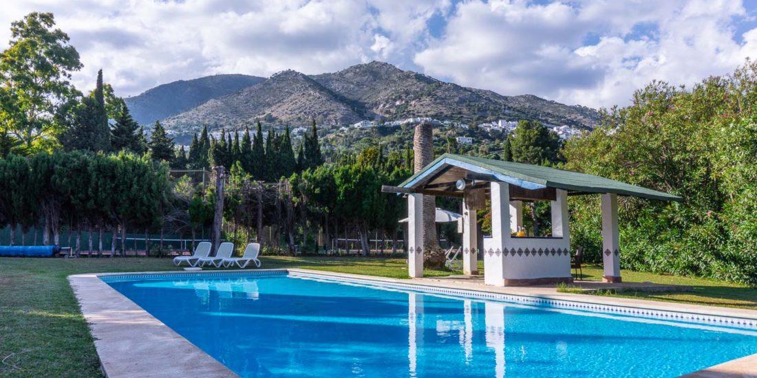 lasbrisas costadelsol swimingpool mountain house rent